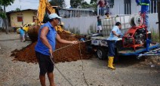 E.P.MAPAVEN realiza limpieza integral de la red de agua en Zapotal Nuevo