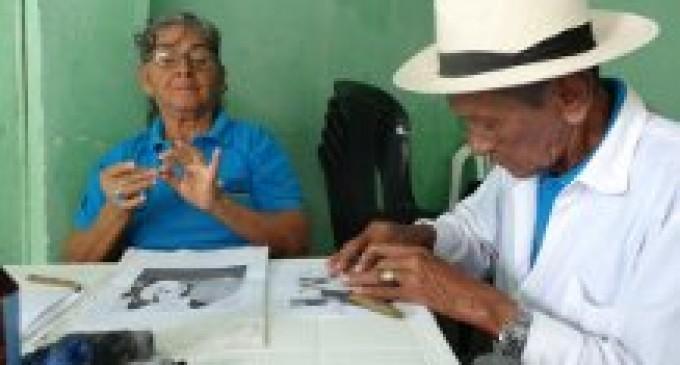 Actividades y alimentación se ofrece a adultos mayores en Yaguachi