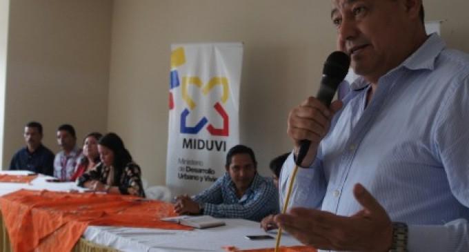 Miduvi y Gad de Quevedo entregan bonos de vivienda a Discapacitados