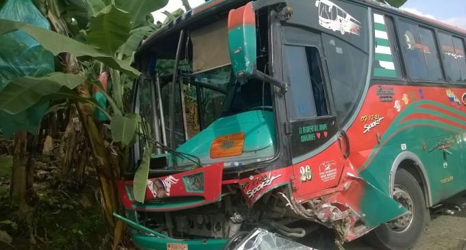 ECU 911 coordina atención para accidente de tránsito en Babahoyo vía a Caracol
