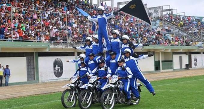 Festival acrobático la Policía Nacional homenajeó a Los Ríos,