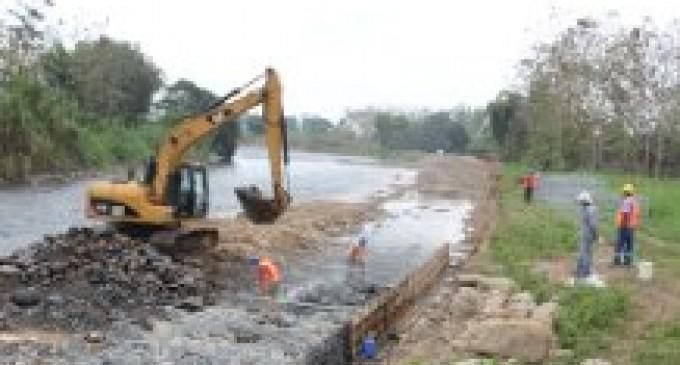 Prefectura de Los Ríos ejecuta obras de emergencia en la provincia
