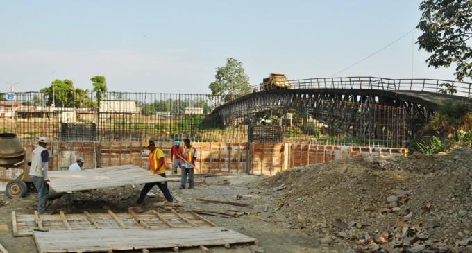 Prefecto de Los Ríos informó acerca del retraso en puente de Caracol