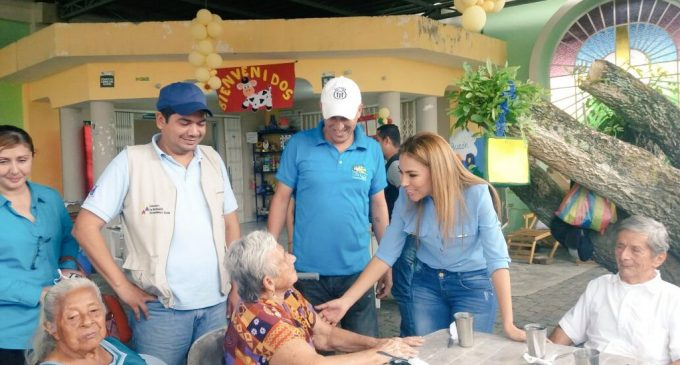 Gobernadora visitó gerontológicos y CIBV en Quevedo y Valencia