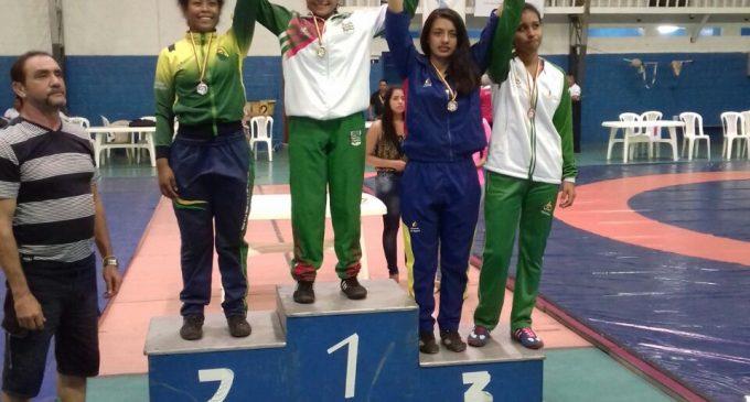 Los Ríos, se  coronó campeón nacional de lucha olímpica