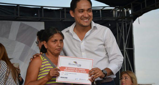MIDUVI entrega 140 incentivos económicos  de vivienda a familias del By Pass en Babahoyo