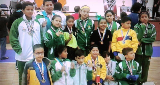 Los Ríos, se ubicó primero en torneo nacional de tenis de mesa