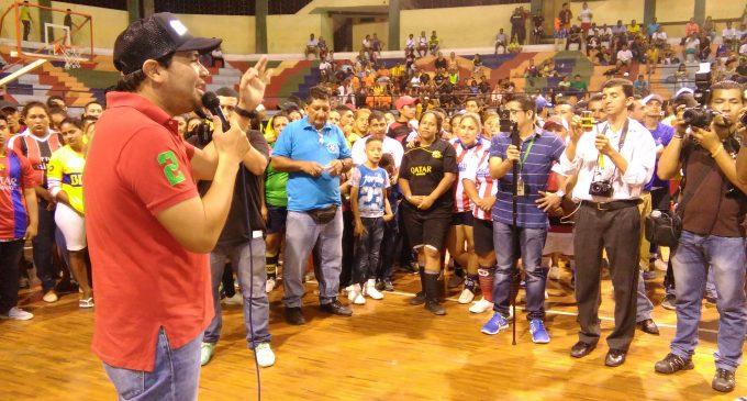 Concejal Litardo inauguró torneo de indor Peloteando por mi sector