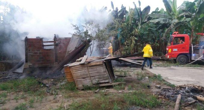 Coordinación de ECU 911 permitió atender incendio de vivienda en Baba