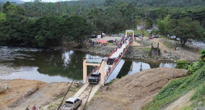 Prefectura de Los Ríos entregó puente carrozable en Bimbe del Toachi