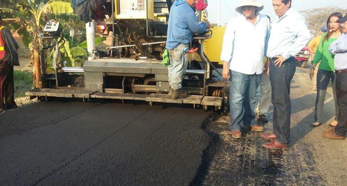 Inició el asfaltado en vía Ecuavegetal –La Carmela de Babahoyo