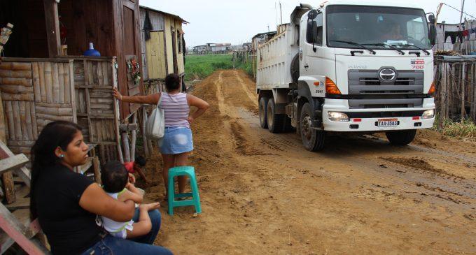 Babahoyo: moradores del Baipás satisfechos con muros que hace la Prefectura