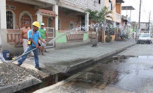 Realizan trabajo de limpieza en redes de agua