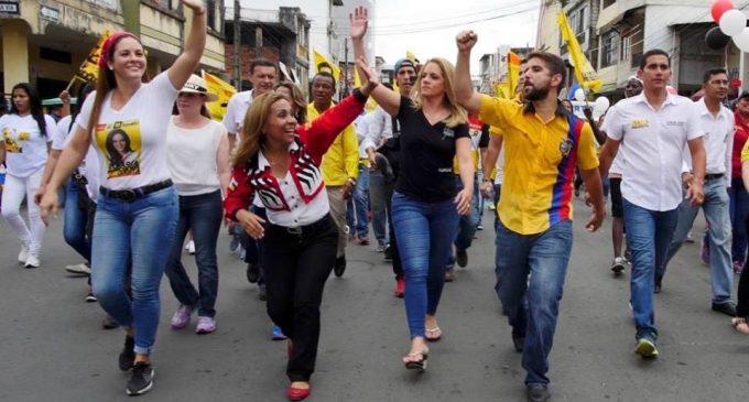 Con caminatas y baile Dalo Bucaram recorre Los Ríos