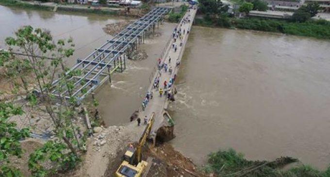 Prefectura repara daños en puente de Caracol