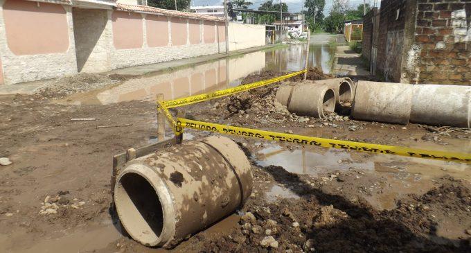 Alcantarillado pluvial dará solución a una enorme poza  de aguas  lluvias en la ciudadela La Salud