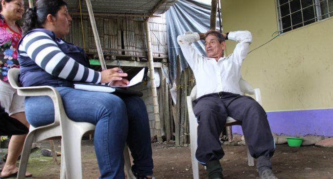MIES y Prefectura brindan atención a los adultos mayores en casa