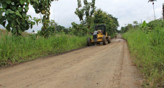 La Prefectura intensifica arreglo de caminos vecinales en Mocache