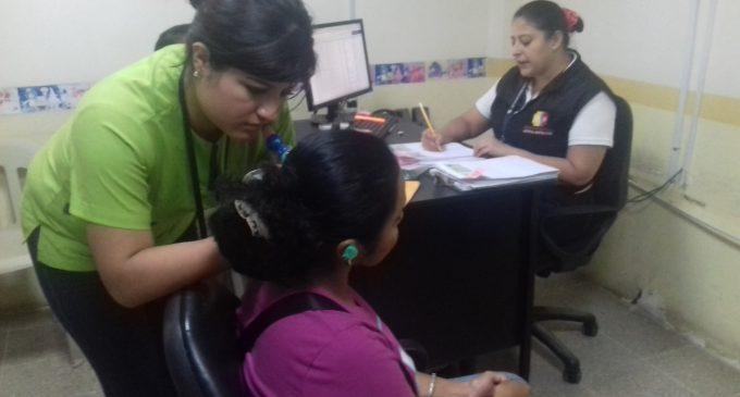 Pacientes del  Hospital Martín Icaza se benefician con prótesis auditivas