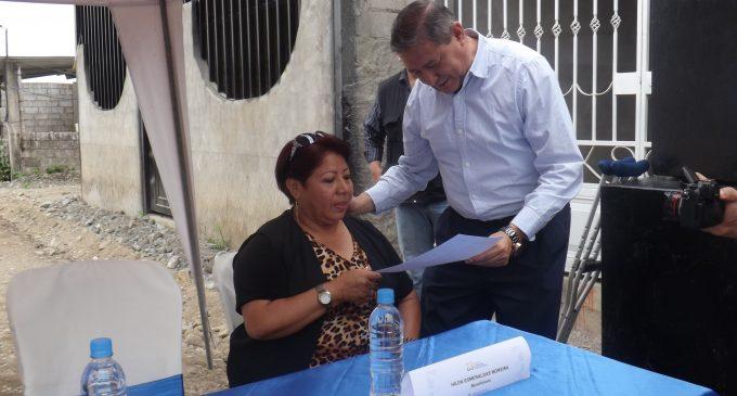 Familias con personas con discapacidad fueron  beneficiadas con casas dignas en sector La Victoria
