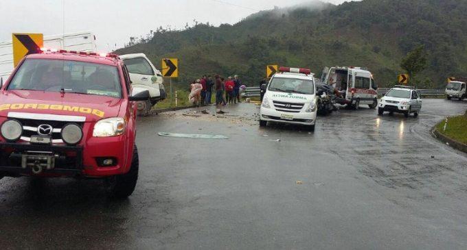 Un muerto y 7 heridos en accidente