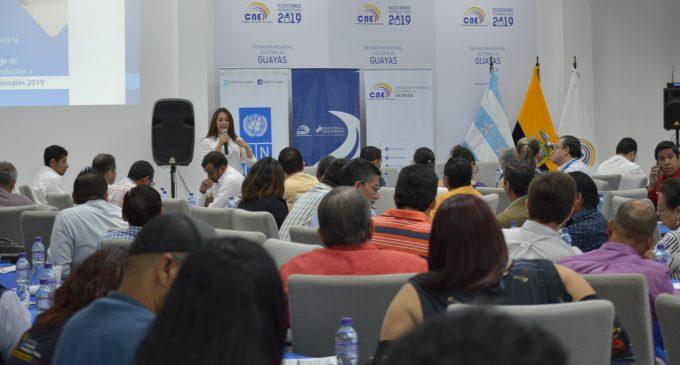 Delegación Los Ríos se capacita sobre planes de trabajo  del CNE