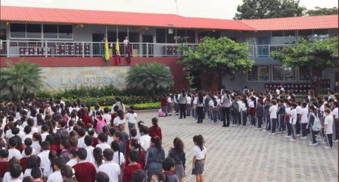 El rector de La Moderna califica de falsos los rumores sobre abuso entre estudiantes