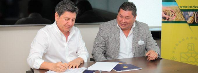 GOBIERNO DE LOS RÍOS Y ALCALDÍA DE PALENQUE FIRMAN CONVENIO
