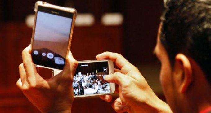 Más importación de teléfonos tras retiro de arancel en Ecuador