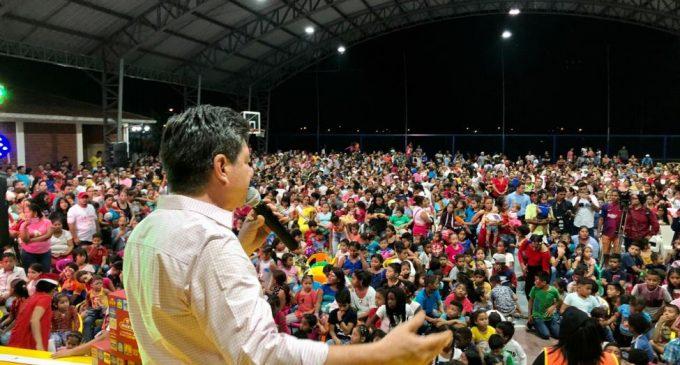 PREFECTO PARTICIPA DE CHOCOLATADA NAVIDEÑA