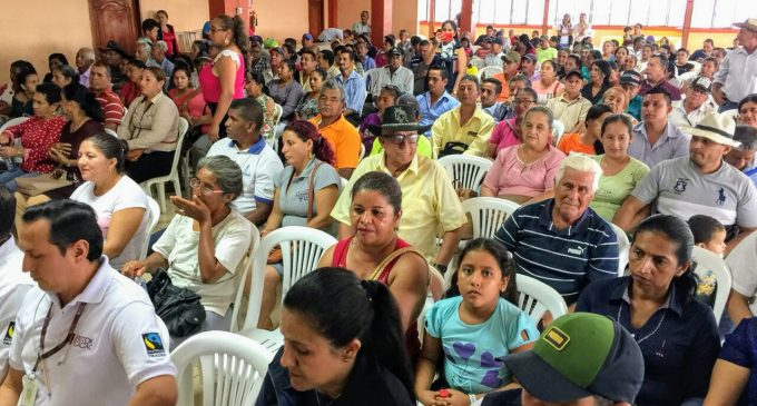 GOBIERNO DE LOS RÍOS SOCIALIZA TEMAS AGROPECUARIOS