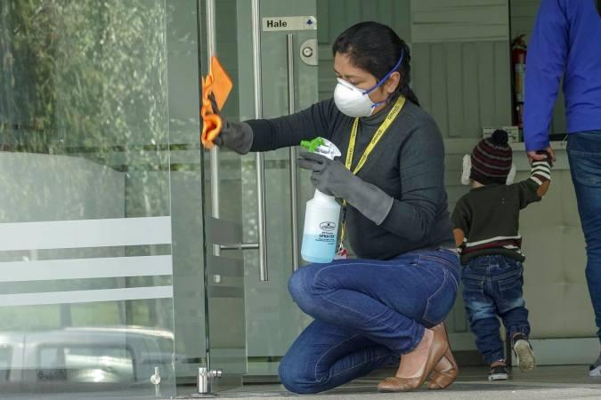 20 a 49 años, los más contagiados con COVID-19 en Ecuador