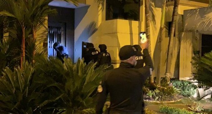 Allanamiento y detenciones simultáneas en #Quito y #Guayaquil, relacionadas con varios casos de corrupción en la emergencia