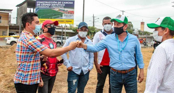 PREFECTURA DE LOS RÍOS CONSTRUYE CANCHAS EN URDANETA