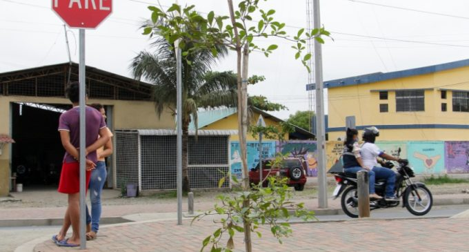 PREFECTURA AVANZA TRABAJOS AL INGRESO DE LOS RECINTOS
