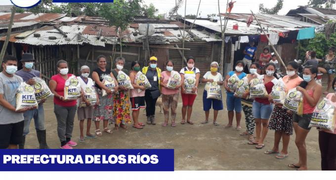 PREFECTURA DE LOS RÍOS ENTREGA 18 MIL KITS DE ALIMENTOS A FAMILIAS POBRES DE LA PROVINCIA